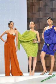 Sana-Safinaz-Latest-Collection-At-Lux-Style-Award-2011-10 style.pk