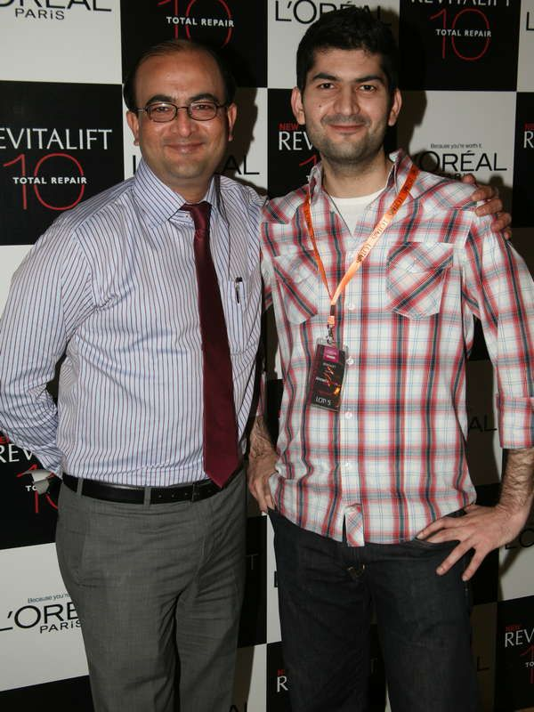 Launch of L'Oreal Paris Interactive Mall Animations _01