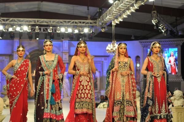 https://style.pk/elan-showcased-at-pfdc-sunsilk-fashion-week-2012-day-07