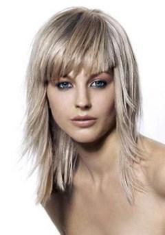 Layered Hairstyles For Medium Hairs 0012