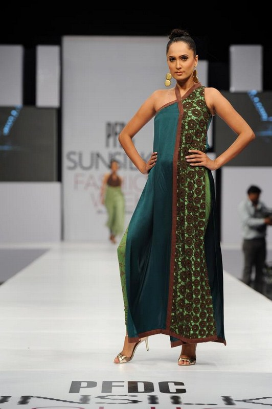 Rubab-Pakistani-Model-Pics-And-Profile