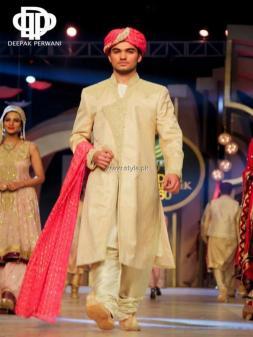 Deepak Perwani Bridal Collection at BCW 2013 010
