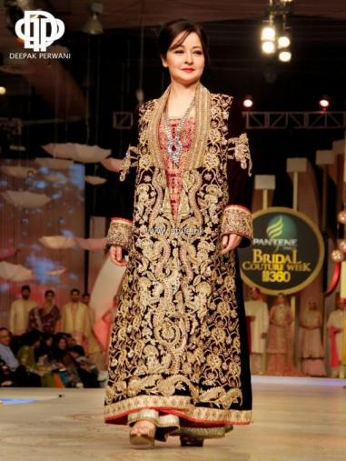 Deepak Perwani Bridal Collection at BCW 2013 014