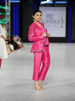 Sublime by Sara Collection at PFDC Sunsilk Fashion Week 2013 012