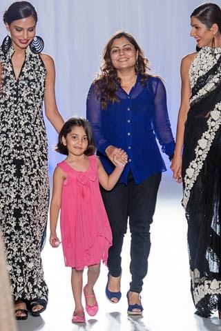 Zainab Chottani Collection At Pakistan Fashion Week London 2013 005