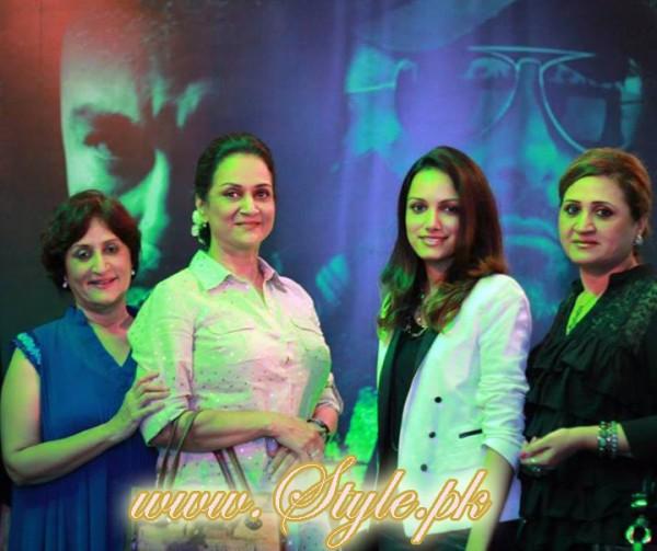 Famous Celebrity Sisters of Pakistan Showbiz pic 05