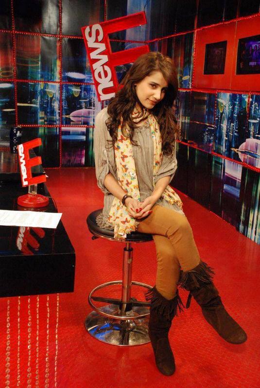 Saniya Shamshad Biography And Pictures 001