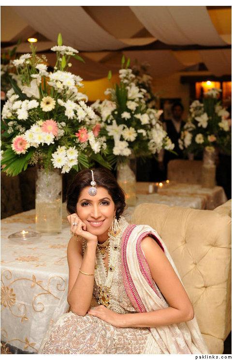 Vaneeza Ahmed Wedding Pics 09