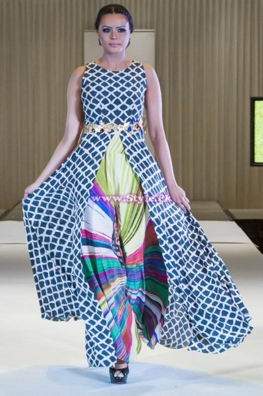 Sania Maskatiya showcase in London at Faisana Fashion Weekend 004