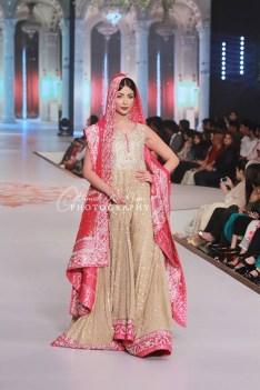 Zaheer Abbas Collection At Pantene Bridal Couture Week 2014 0016