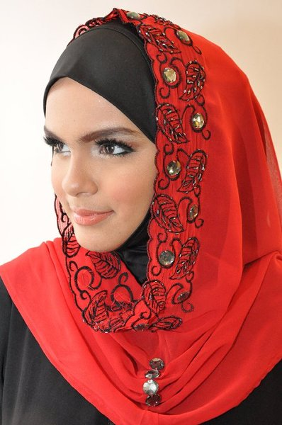 Fashion Of Embroidered Hijabs 2014 For Women 004