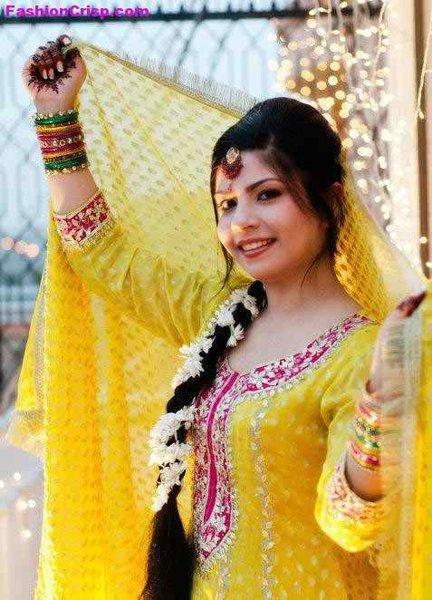 New Bridal Hairstyles 2014 For Mehndi Function -002
