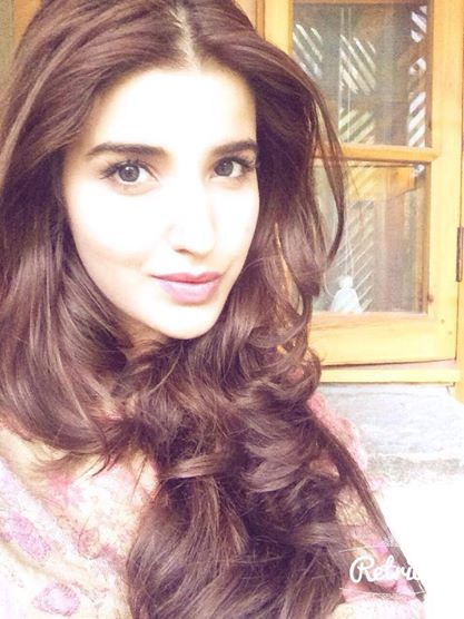 hareem farooq gorgeous hair
