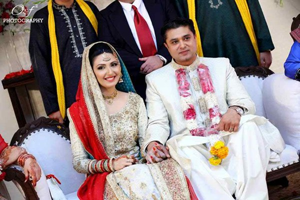 Which Pakistani TV Actress Looks Beautiful On Her Wedding day 005
