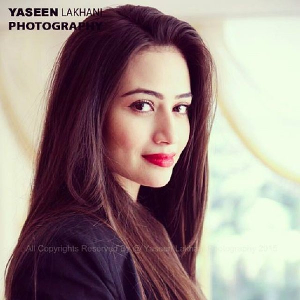 Pakistani Actress Sana Javed Biography 0015