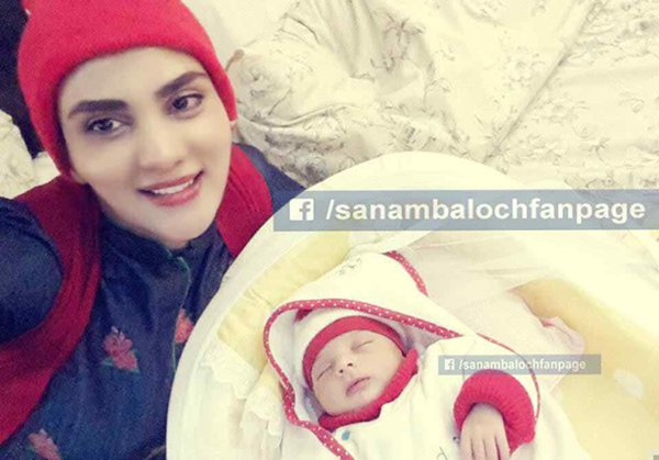 Pakistani Celebrities And Their Newborn Babies 002