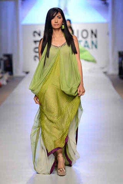 Top 10 Hottest Female Models 2015 In Pakistan004