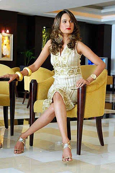 Top 10 Hottest Female Models 2015 In Pakistan008
