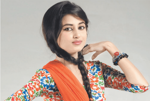 Top 5 Successful Pakistani Actresses In 2015004