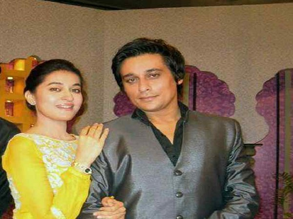 Top Celebrity Brothers And Sisters Of Pakistani Industry0010