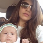 syra shehroz with daughter