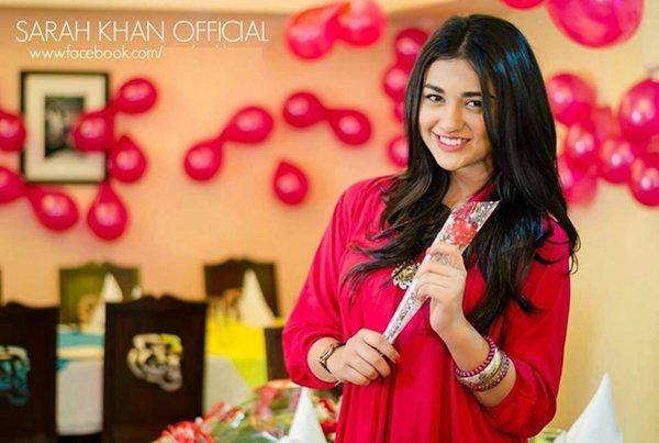Pakistani New Actress Sarah Khan Biography 001
