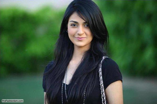 Pakistani New Actress Sarah Khan Biography 0014