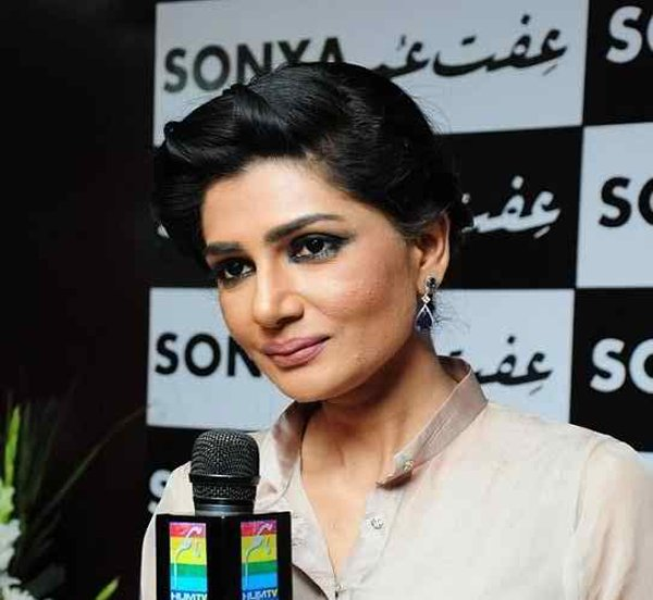 Which Pakistani Actresses Don't Look Their Real Age004