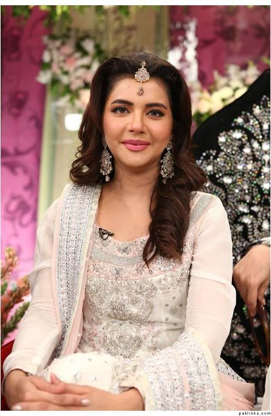 Which Pakistani Female Celebrities Are Trouble Makers004