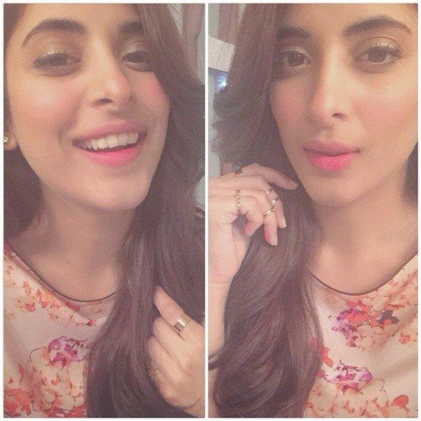 Which Pakistani Celebrities Are Selfie Junkies0010