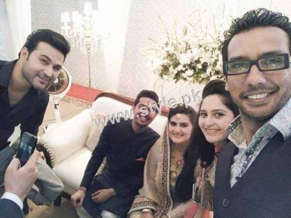 Complete Wedding pictures of Ali Gul Pir and his bride (4)