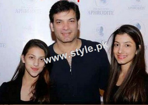 Pictures of Celebrity fathers with their daughters 4