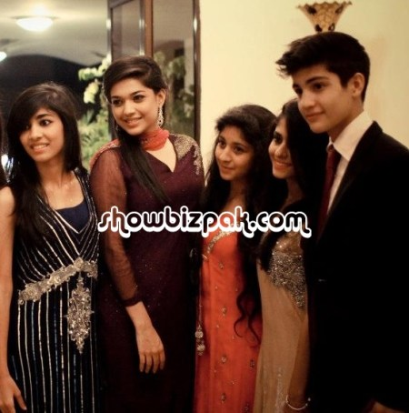 See Sanam jung with family