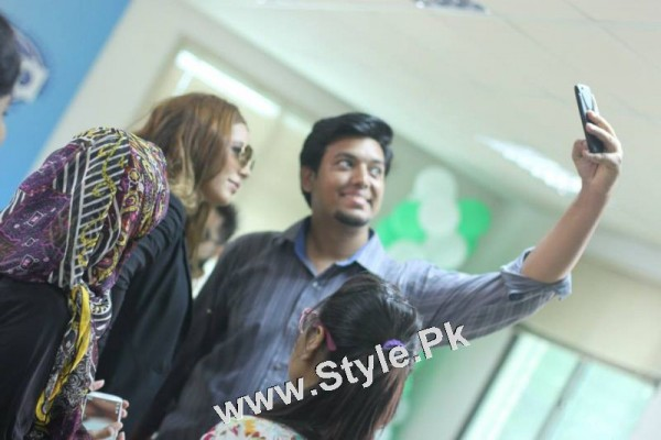 Ayyan Ali visited University of Karachi as guest of Honour (13)