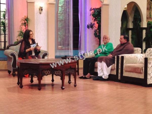 Bushra Ansari's first appearance as Morning show host on GEO TV (4)