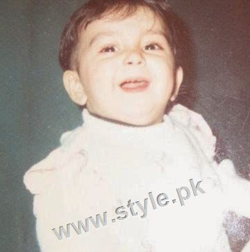 Childhood pictures of Ayeza Khan 6