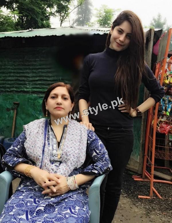 Neelum Muneer is enjoying shooting of Ramla in Murree (8)