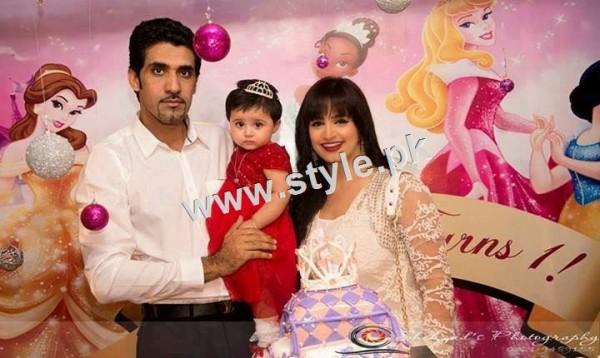 Pakistani Celebrities with their kids 2