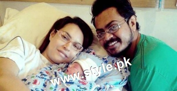 Pictures of Pakistani Celebrities with their newly born babies 6