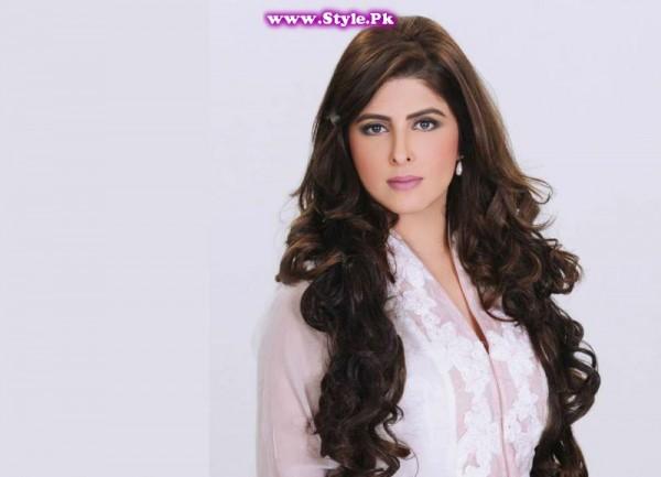 Most Stylish Female Politicians of Pakistan (2)
