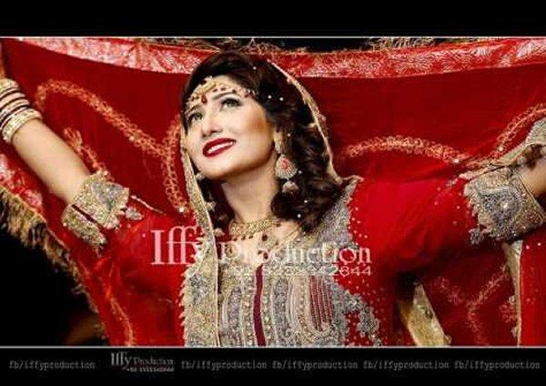 Pakistani New Actress Pari Hashmi Profile001