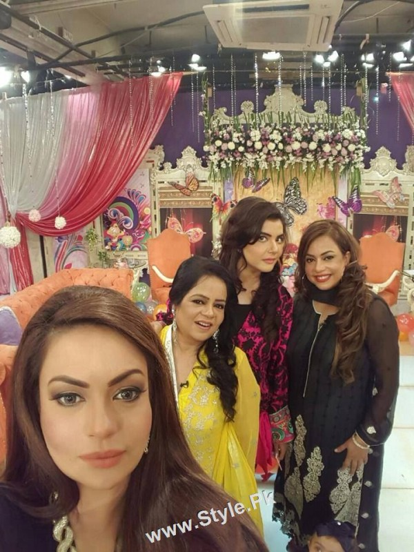 Sadia Imam Celebrated her daughter's birthday in Good Morning Pakistan (6)