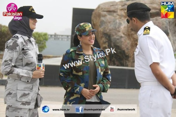 Sanam Jung's look for Defence Day 2015 (21)