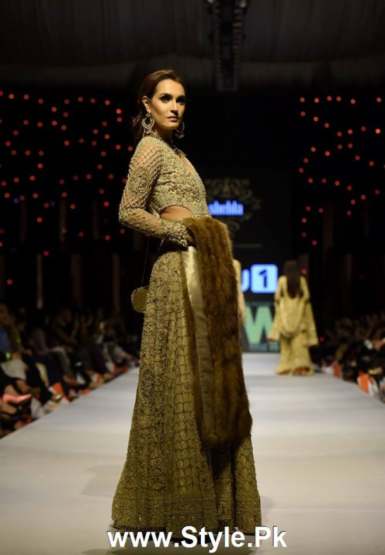 Classy Looks of Pakistani Models on FPW15 Day 1 (5)