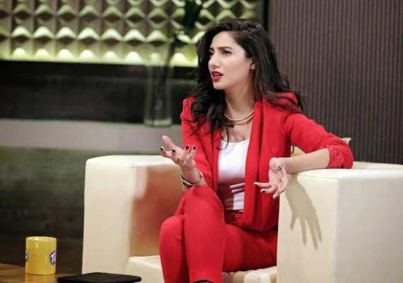 Mahira khan hot looks
