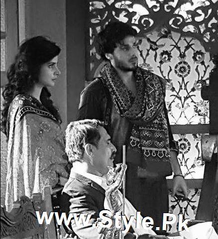 Pictures of Ahsan Khan and Saba Qamar on the set of Muhabbat ki Akhri Kahan (8)