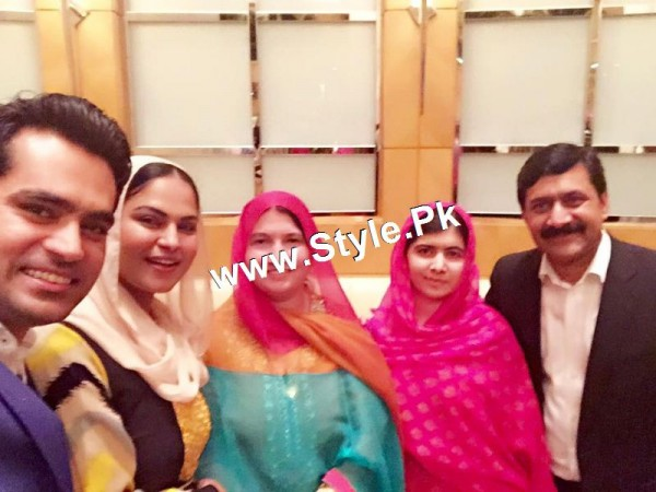 Pictures of Veena Malik's and Malala's family in Dubai (5)