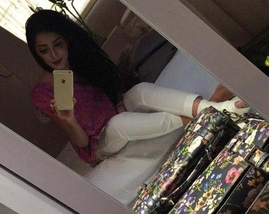 See Sanam Chauhdry got her foot fractured