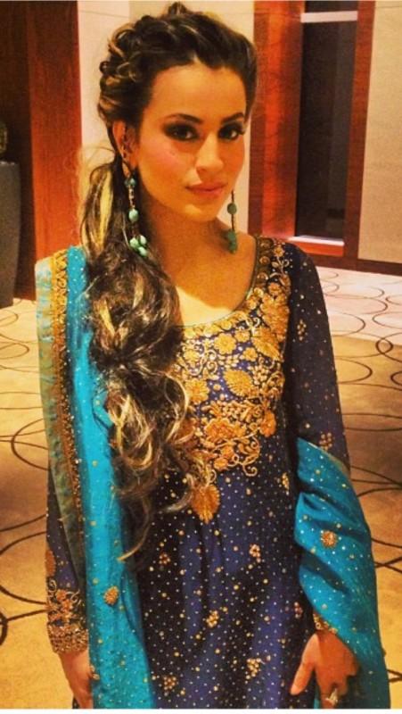 Gala Design of Fancy Dresses For Girls