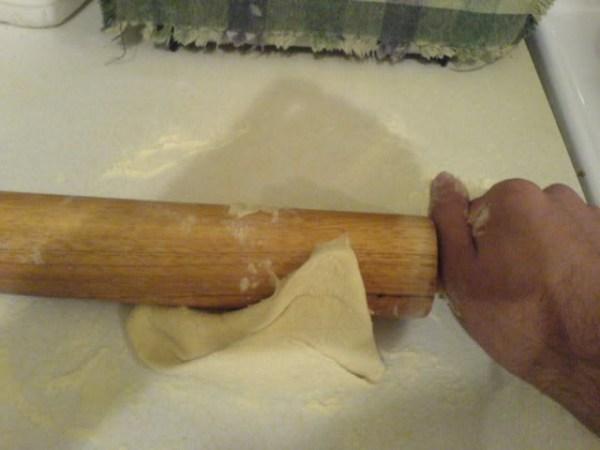 rolling roti